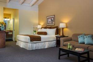 Tamarack Lodge | Deluxe & Luxury Rooms