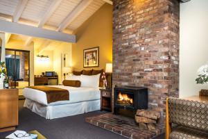 Tamarack Lodge | Save 20% this spring