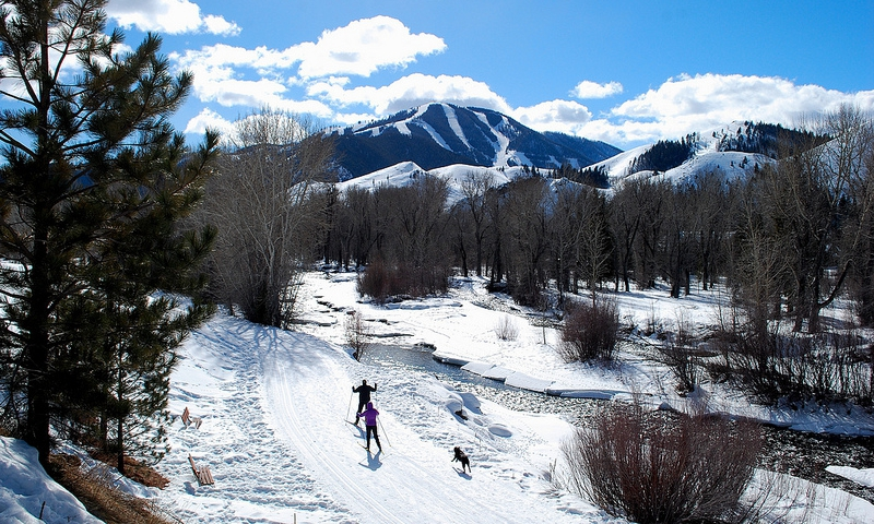 Cross Country Skiing along Big Wood River Trails